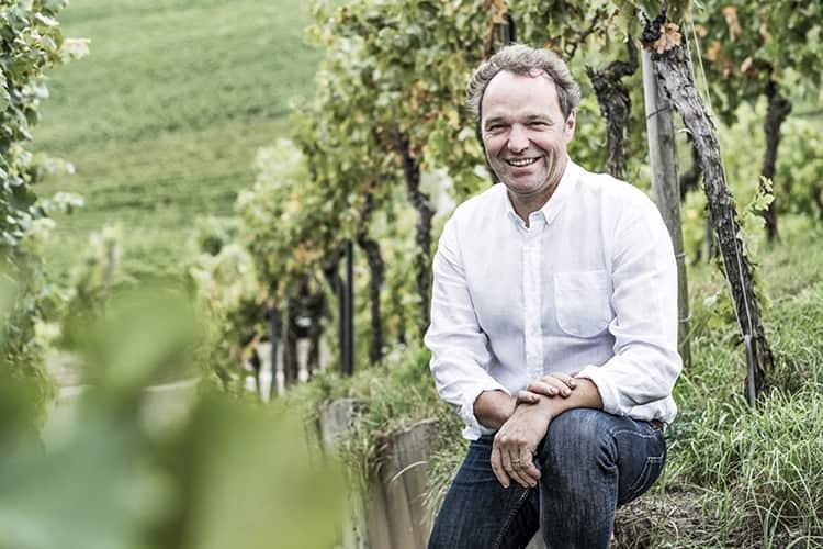 Winzer Rainer Schnaitmann im Weinberg